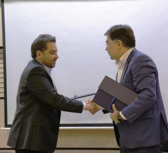 شهروند و هاتفشهر تفاهمنامه امضا کردند